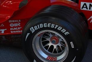 bridgestone vs michelin which tire is better recomparison. Black Bedroom Furniture Sets. Home Design Ideas